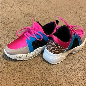 Used Tennis Shoes
